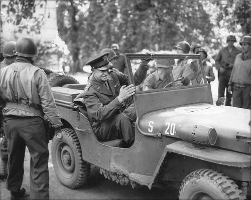 General #Eisenhower in a #Jeep 4x4 : France