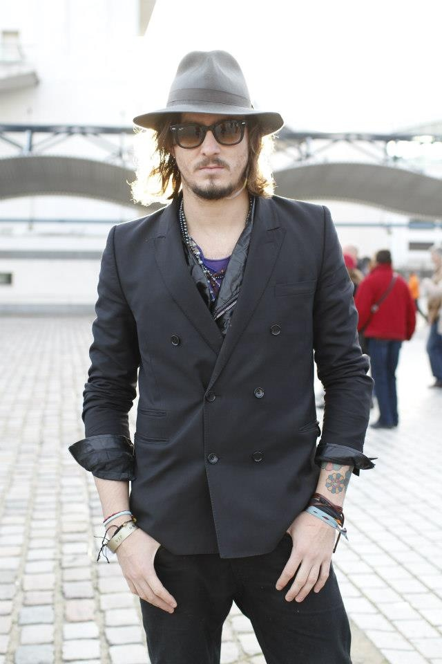 Layers & accessories are good for guys too!  We love those blazers & fun hats!