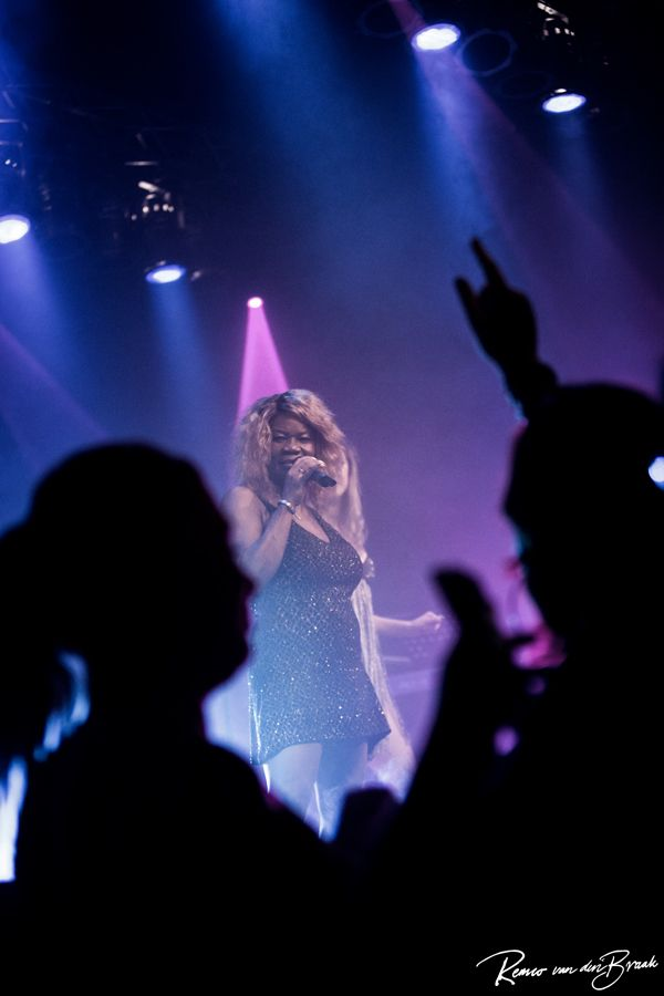 Hildegard Kooy - The Dutch Tina Turner Tribute Hot Leggs