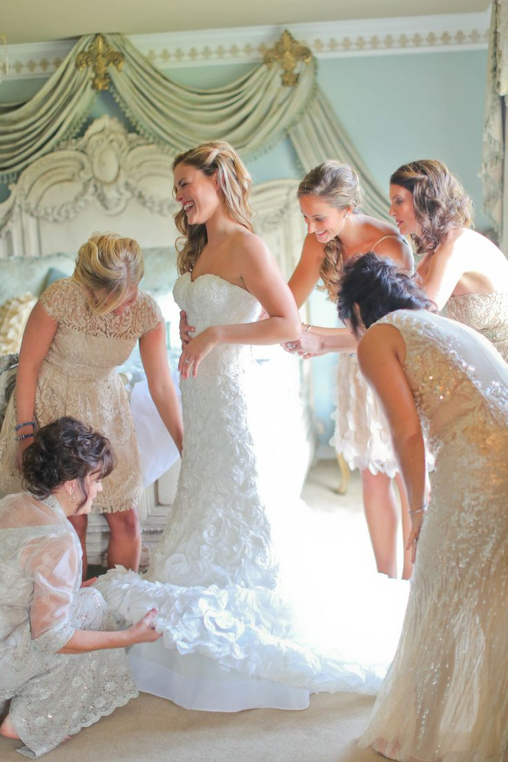 Bride & Bridesmaids - Getting Ready - See the wedding here: http://www.StyleMePretty.com/2014/04/16/southern-jewish-wedding-with-a-farm-backdrop/ Photography: julierobertsphoto.com
