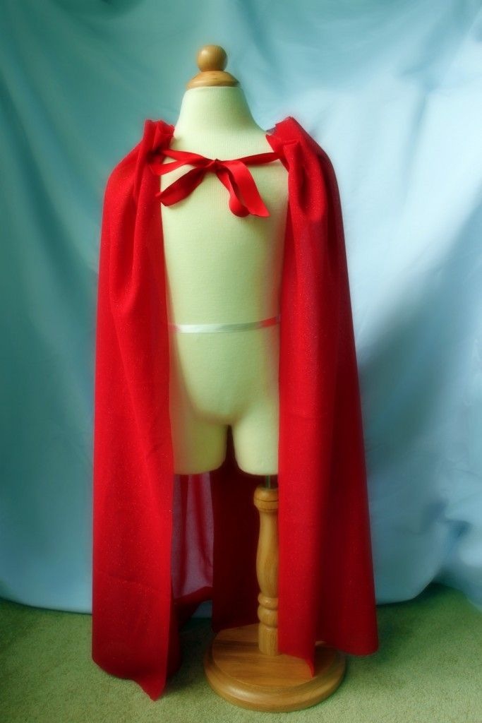 a no-sew superhero cape.  I definitely wanna make Abby a superhero cape, and this seems like an easy way to start. :)