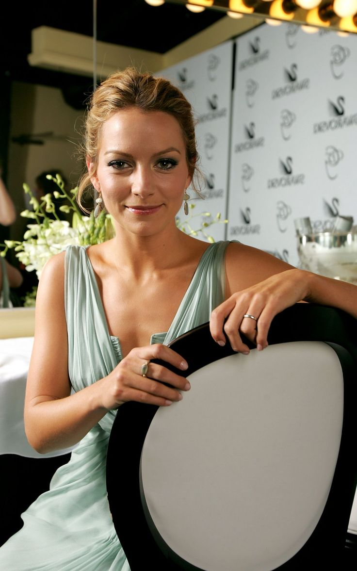 Becki Newton photo gallery
