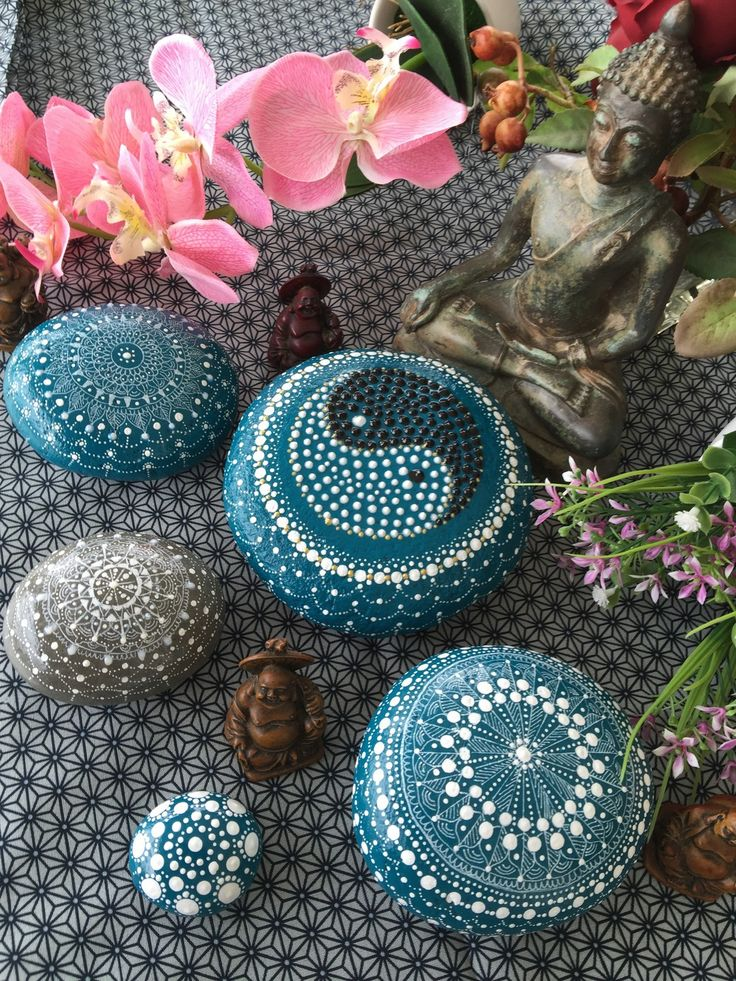 galet peint zen collection yin yang steine pinterest galets peints galets et zen. Black Bedroom Furniture Sets. Home Design Ideas