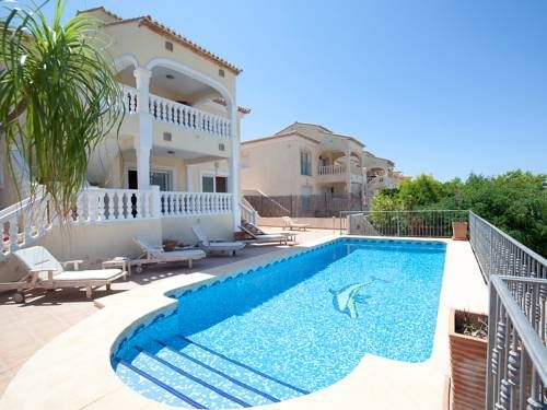 Holiday Home Calpe 3010 Calpe Located In Calpe, This Detached Holiday Home  Features A Patio And A Garden With A Seasonal Outdoor Pool.