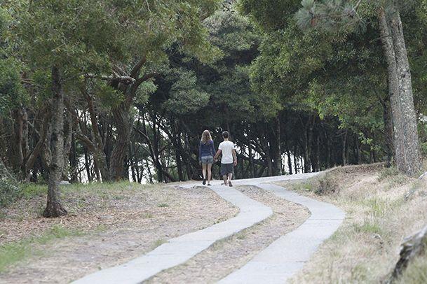 Despedimos agosto subiendo al faro de Cíes? http://www.vivirgaliciaturismo.com/senderismo-en-islas-cies/