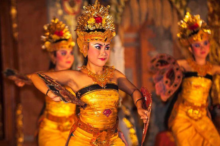 Budaya Indonesia yang Terlalu Berbeda