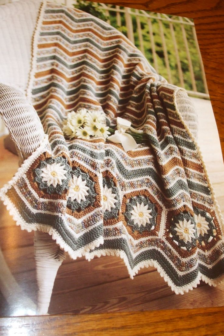 138 best afghans blankets coverlets images on pinterest second silver favorite ripple afghans 40 crochet patterns leisure arts crochet with heart magazine bankloansurffo Choice Image