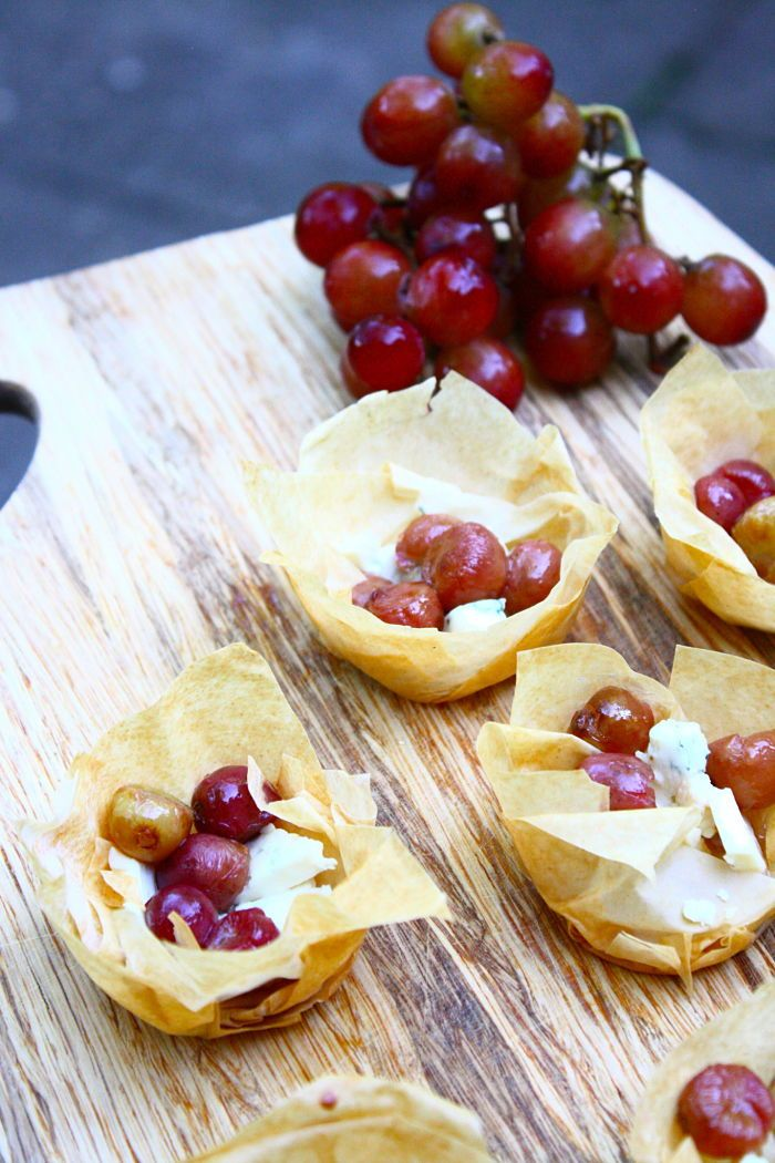 Cute appetizers & the combos are limitless: Roasted Grape & Blue Cheese Bites #recipe by @FeastontheCheap #vegetarian