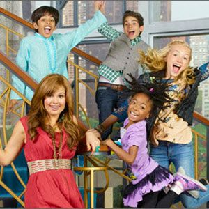 Hey Jessie ! See this show awsome Silly CRAZY