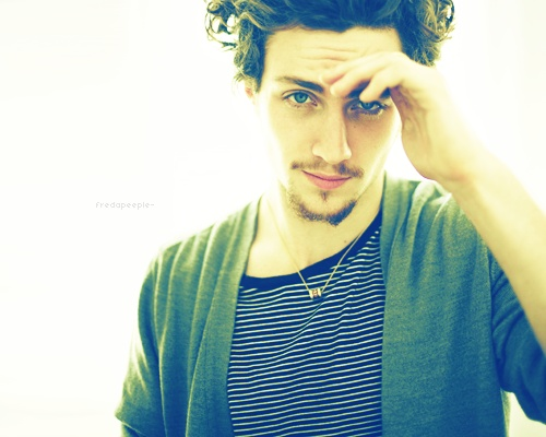 Aaron Johnson. First saw him in Kickass, then in Savages. Total hottie.