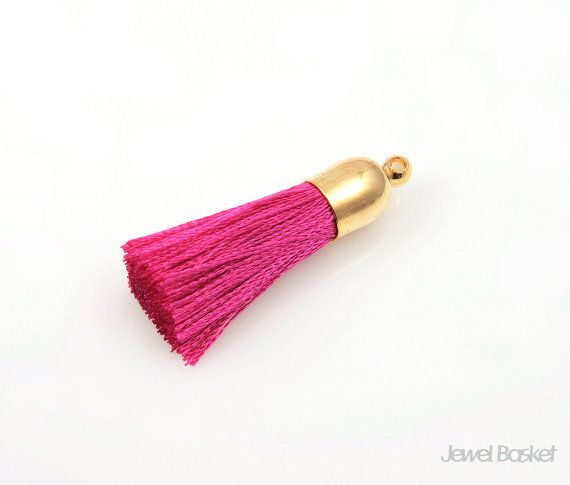 - Fuchsia Color Yarn - Cap: Gold Plated over Brass - 8mm x 32mm  - 2pcs / 1pack