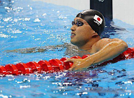 タイムを見る塩浦 :フォトニュース - リオ五輪・パラリンピック 2016:時事ドットコム