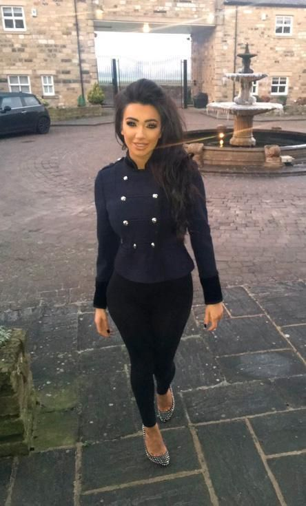 Chloe Khan is taking classical piano lessons as she hints at plans to get rich and transform her life in 2017