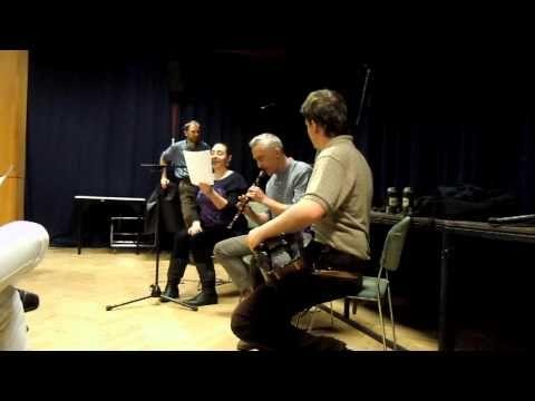 Túr a disznó ének tanitás Guzsalyas Csángó Táncház 2013. aprilis 4. - YouTube