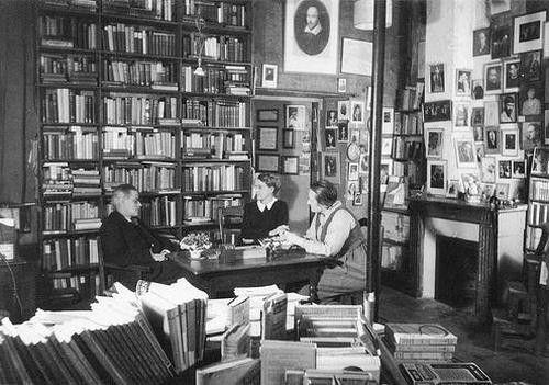 Sheakespeare & Co.: James Of Arci, Sylvia Beaches, Company Bookstores, Paris 1920S 30S, Paris Sky, Beaches Publishing, James Joyce, Adrienne Monnier, Hemingway Paris