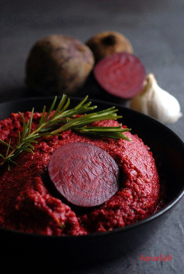 Rote Bete Pesto Rezept - gesund,, lecker und farbenfroh