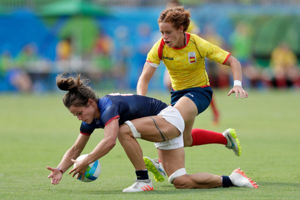 Audrey Amiel of France and Barbara Pla of Spain goe for the ball during the Women's Placing 5-8 Rugby Sevens match between Spain and France on Day 3 of the Rio 2016 Olympic Games at the Deodoro Stadium on August 8, 2016 in Rio de Janeiro, Brazil.