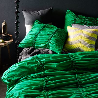 Gathered Emerald King bed quilt cover