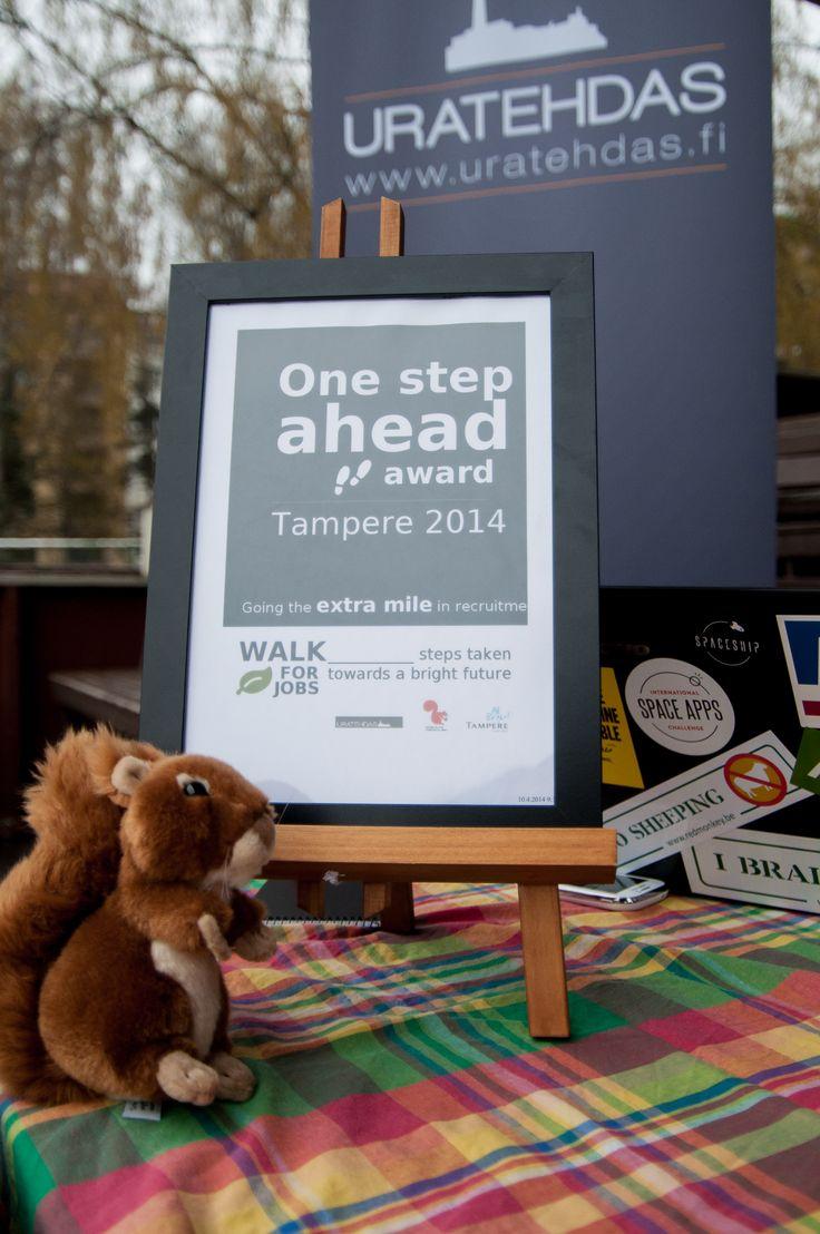 """""""one step ahead"""" -award jaettiin yritykselle, joka eniten verkostoitui ja haastoi työnhakijoita kävelemään kanssaan paremman tutustumisen merkeissä."""