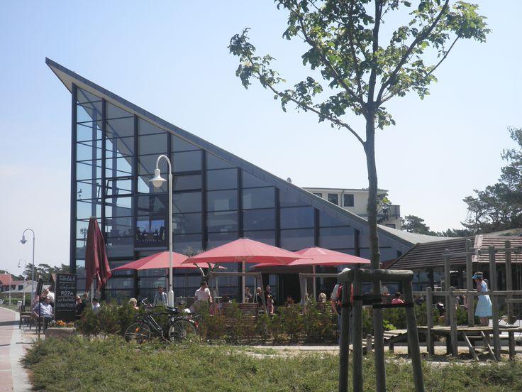 Restaurant Ostseeperle in Glowe - hier können Sie mit einem herrlichen Blick auf die Ostsee gut essen.