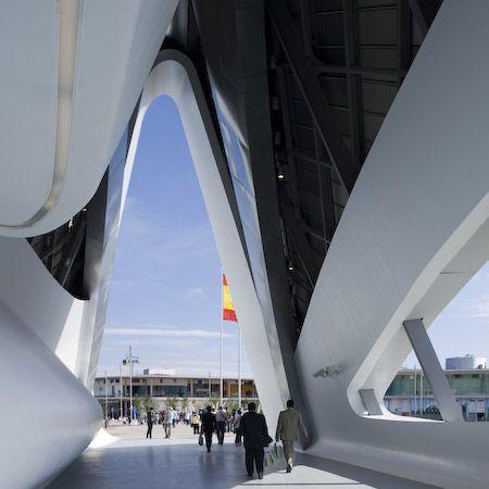 Zaragoza Bridge Pavilion, Zaragoza, Spain, 2008 | Zaha Hadid | Photo: Luke Hayes