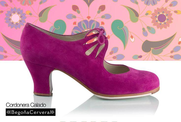 https://www.tamaraflamenco.com/es/zapatos-de-flamenco-profesionales-4 Zapato profesional de flamenco Begoña Cervera Modelo Cordonera Calado ante fuxia