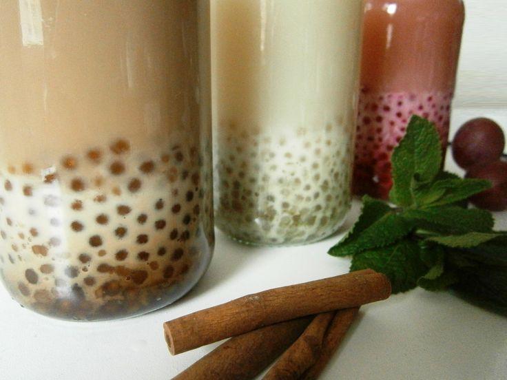 Bubble Tea ou chá de bolhas: chá Thai com leite e perolas de café; chá verde com leite condensado e perolas de hortelã; e chá rooibos com sumo de uva, leite condensado e perolas de groselha. Bubble Tea with tapioca pearls: thai with milk and coffee pearls; green tea with condensed milk and mint pearls; and rooibos with grape juice, condensed milk and gooseberries pearls. Receita em www.pimentadoce.net