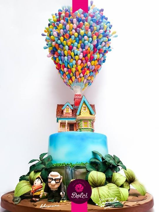 If someone made me this cake for my bday I would love them alottttt
