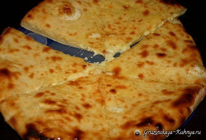 Имеретинские хачапури — пошаговый рецепт приготовления одной из разновидности хачапури, тающего во рту пирога с сырной начинкой. Хачапури — это самое знаменитое традиционное национально…