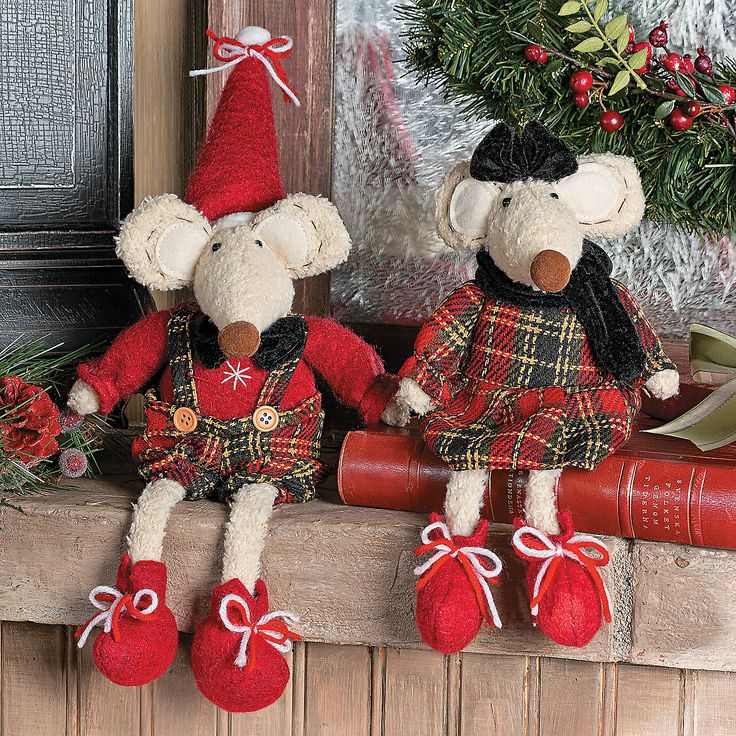 Plush Sitting Christmas Mice - OrientalTrading.com