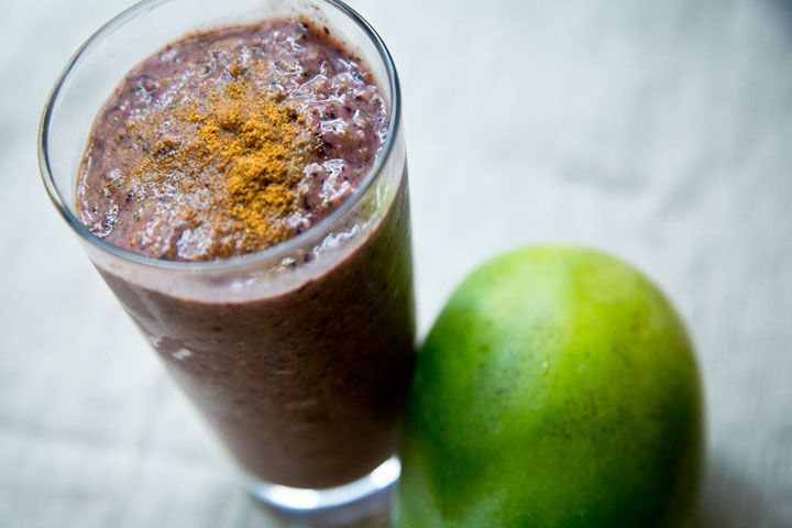 Dr. Oz's 3-Day Dinner Detox Smoothie Ingredients 1/2 cup mango 1 cup blueber...