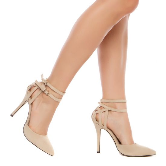 Nude shoes are such a great addition to the spring wardrobe!