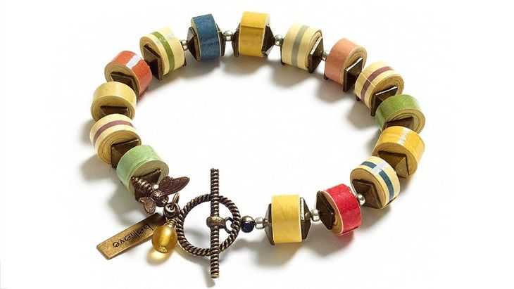 Paper heishi beads bracelet
