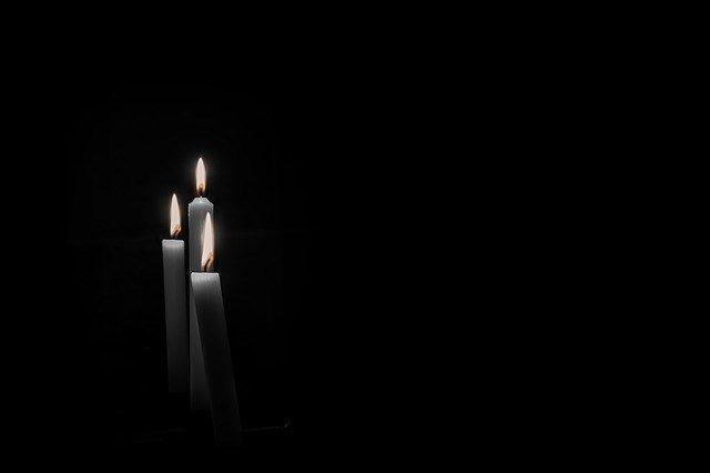 ΟΛΗ Η ΕΛΛΑΔΑ ΒΛΕΠΕΙ ΠΟΙΟΙ ΕΙΝΑΙ ΟΙ ΜΟΓΓΟΛΟΙ…. ΣΚΟΤΩΝΟΥΝ ΣΑΝ ΣΗΜΕΡΑ ΜΕ ΠΕΤΡΕΣ ΚΑΙ ΞΥΛΑ ΜΠΡΟΣΤΑ ΣΤΙΣ ΚΑΜΕΡΕΣ ΤΟΝ ΤΑΣΟ ΙΣΑΑΚ… ΕΙΝΑΙ 11 ΑΥΓΟΥΣΤΟΥ ΤΟΥ 1996[vid]