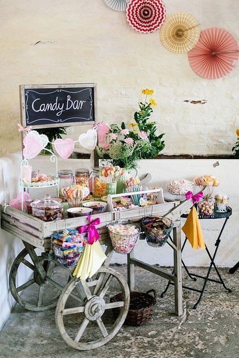 Love is sweet 55 wedding candy bar ideas d co jardin for Food bar 8 0