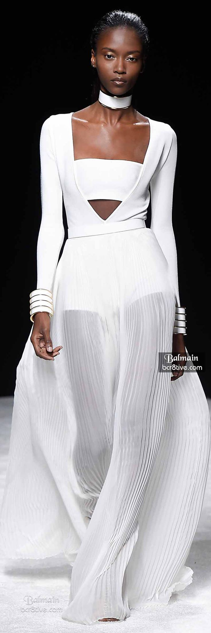 Balmain Spring 2015 RTW - White can be so dramatic. This is hot!