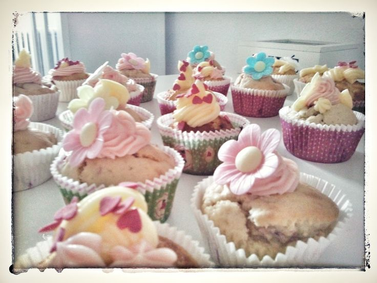 Lovely mothers day cupcakes