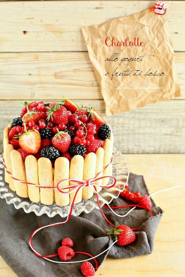 Cucina Scacciapensieri: Charlotte allo yogurt e frutti di bosco per Taste&More n. 15