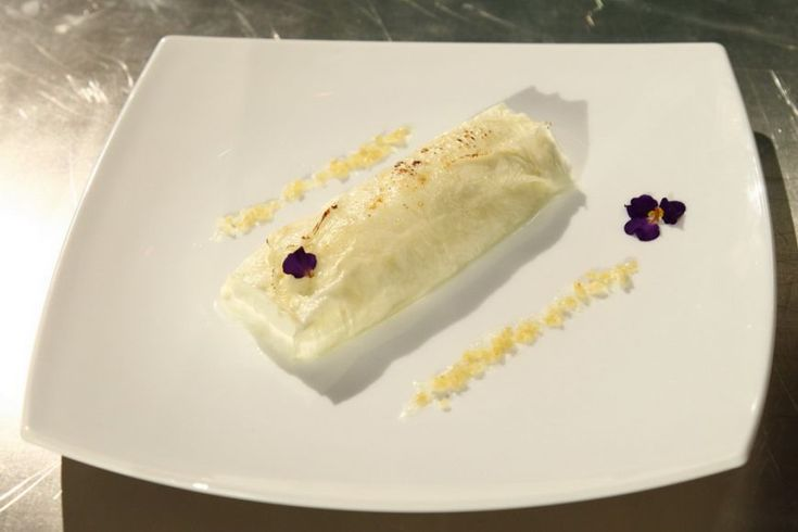 Reteta Tatiana Danilescu: Clatita din lapte cu mousse de iaurt si frisca si sirop din ghimbir - www.Foodstory.ro