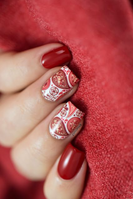 Red paisley water decals - nail art