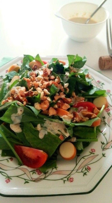 サラダはメイン料理に合わせて、ガラリと変えるのがおすすめです。いつも同じ食材、同じ味付けだとマンネリしてしまいます。サラダのレパートリーを増やすと料理の幅が広がりますよ!ぜひ参考にしてみてください。
