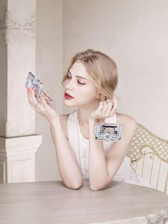 「ジルスチュアート ビューティ」2015年春のベースメイクコレクションは、「キレイな記憶しか残さない女優肌」がコンセプト - ファッションヘッドライン 提供