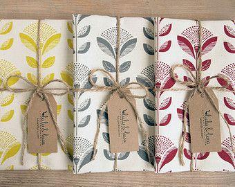 Asciugapiatti stampati con stampa a fiori pavone di luluandluca