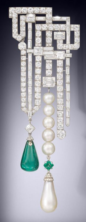 An art deco natural pearl emerald and diamond brooch by Van Cleef & Arpels, circa 1926. Via The Jewellery Editor.