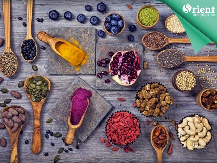 #orientteasincalorias EL MEJOR BALANCE. Incorpora a tu plan nutricional el consumir frutos secos o semillas sin salar por lo menos una vez a la semana, ya que aportan muchos nutrientes a tu organismo. Complementa tu sana alimentación con Orient Tea, una deliciosa bebida elaborada a base de té, enriquecida con vitaminas, fibra y endulzada con stevia 100% natural, sin calorías ni conservadores. www.orienttea.mx