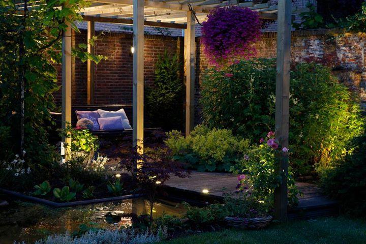In lite buitenverlichting pergola vijver tuin in lite tuinverlichting pinterest - Outdoor licht tuin ...
