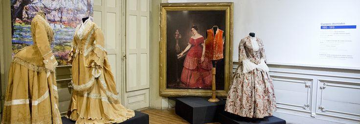 Museo Nacional de la Historia del Traje, calle Chile 832, Buenos Aires, Argentina