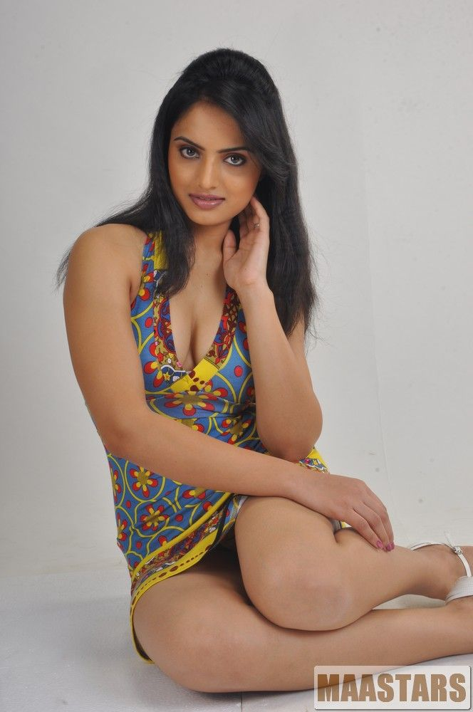 Desi & Mallu Collections (100% ERECTION CONFIRMED) ~ Exclusive Blouse View - Page 4 - Xossip