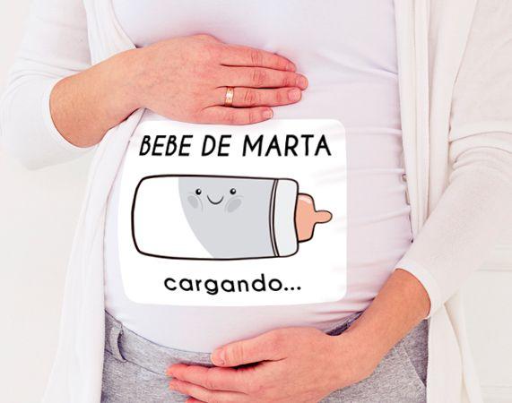 """Camiseta para embarazada personalizada """"Bebe cargando"""""""
