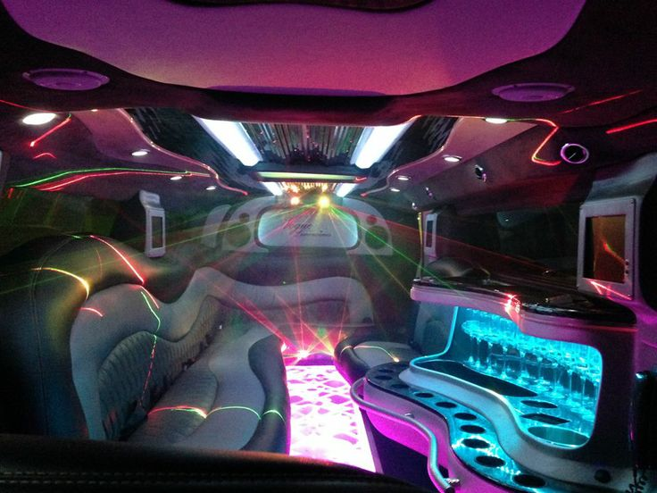Don't you deserve a bit of luxury? Our Limousines service the Gold Coast, Brisbane, Sunshine Coast and Byron Bay!